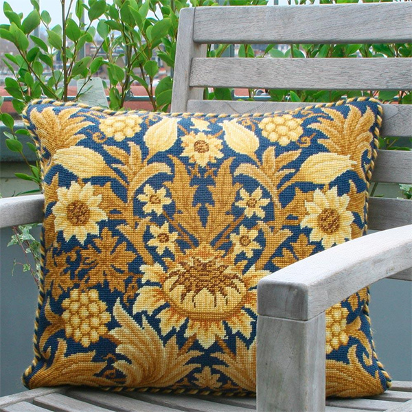 Beth Russell Needlepoint - Sunflower Collection - Sunflower 1 Pillow/Chairseat Kit Blue Background